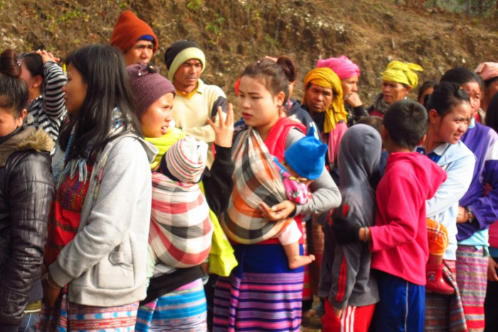 DRO2 - Villagers queue up to receive relief aid
